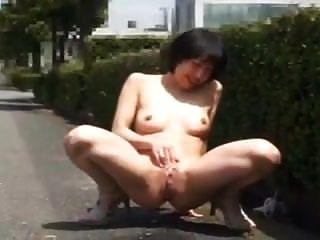 negrito mulher japonesa piscando e fodendo em público