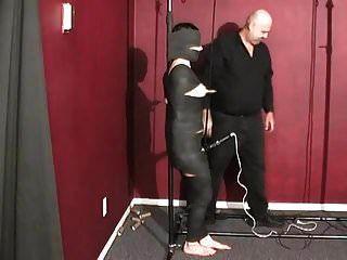 prostituta mumificada recebe mamilo torturado e vibrador na boceta