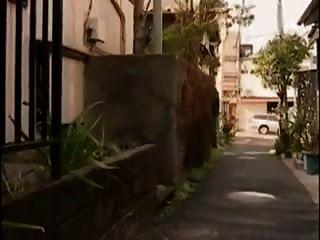 dona de casa japonesa com tesão fodeu a mobília