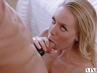 vixen nicole aniston surpreende o namorado com sexo quente