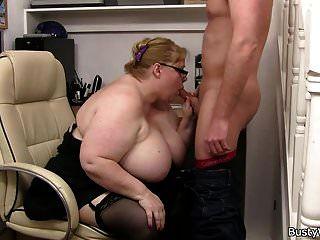mega tits gorda leva por trás
