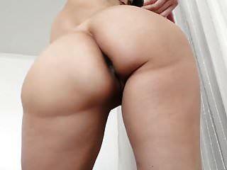 garota gostosa peidando