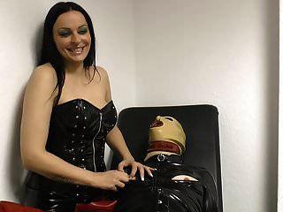 mamilos de amante torturam com longas unhas francesas