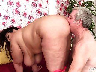 grande tit plumper miss lingling fodido duro em sua boceta