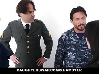 daughterswap pais militares trocar e foder filhas