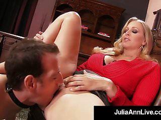mamãe querida julia ann pune seu brinquedo de menino se ele fica difícil