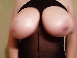 minha saia rosa apertada e roupa de prostituta