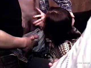 angelica bella recebe um dp em um gangbang