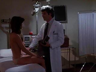 cena do massacre do hospital de barbi benton (1981)