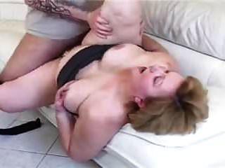 bbw vovó com bunda grande fodida no sofá