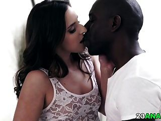 sexo anal interracial profundo com amirah adara
