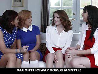filhaswap duas mães quentes compartilham suas filhas bi legal age adolescente