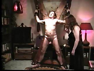 punição de galo femdom
