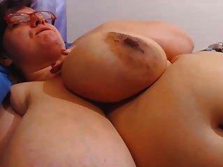 bbw peitos enormes e aréolas
