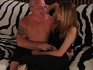 velho homem rico fodendo um jovem buceta