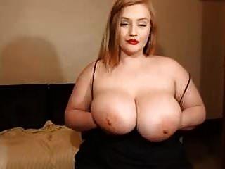 webcam show para uma linda garota branca com um enorme peitos