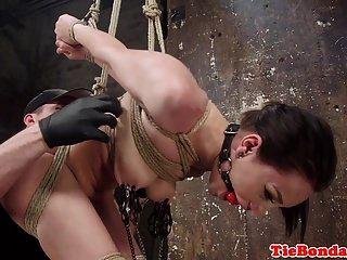 subjugado bondage sub fingered por maledom