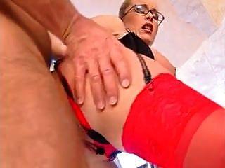 grandes cabides floppy tits anal meias vermelhas óculos