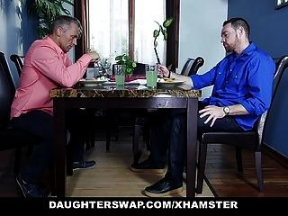 Daughterswap duas filhas legal age adolescentes trocar e foder seus pais