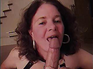 mãe suga grande galo jovem