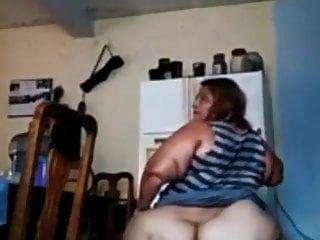 grande garota mexicana com uma bunda gorda mostrando-lo