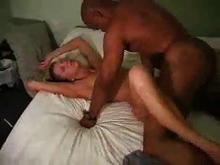 marido queria um homem negro para dar-lhe uma porra áspera