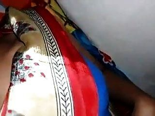 empregada de saree de seda de cetim