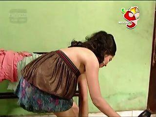 atriz quente desi lankan