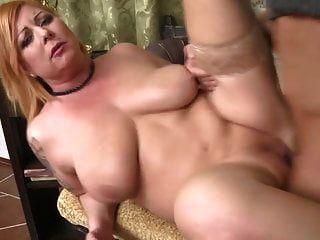 mãe gordinha moderna fodida e cum coberto pelo filho