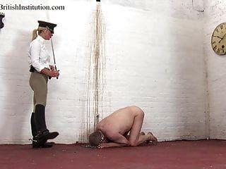 chicoteado pelo protetor de bota de equitação. clipe completo.