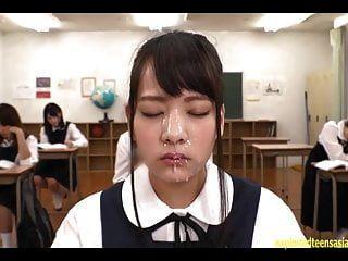 abe mikako fica cara de bukkake enorme em sala de aula contínua