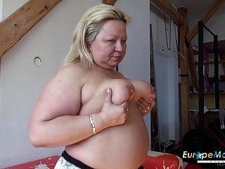 europemature peituda maduro nina striptease showoff