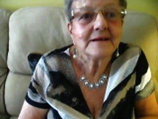Decote de vovó de 80 anos